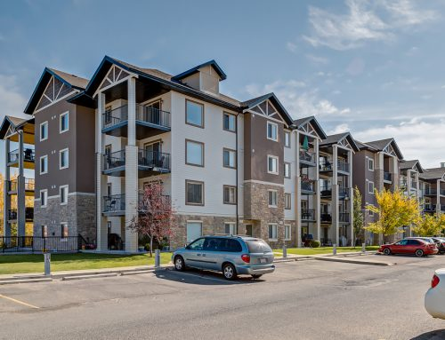Bridlewood 2 Bed 2 Bath + Den Condo